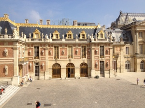 AU CHAT AND THE CHATEAU (VERSAILLES, DAY EIGHT)